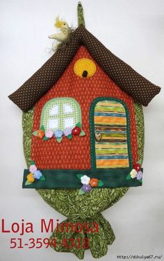 25 (438x700, 242Kb) Sewing Crafts, Sewing Projects, Projects To Try, Carrier Bag Holder, Grocery Bag Holder, Plastic Bag Holders, Sewing Table, Applique Designs, Soft Furnishings