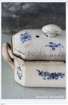 Blue and White``````````I ache all over with pleasure when I see something that has been used and used and loved enough to stand the test of time.......dr