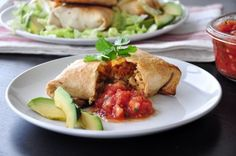 Oven-Fried Chicken Chimichangas - A fast and healthier way to serve Chimichangas than the traditional deep fried. These are very good, and you may dress them up to you own preference. Easy Healthy Dinners, Healthy Dinner Recipes, Mexican Food Recipes, Soup Recipes, Chicken Recipes, Cooking Recipes, Ethnic Recipes, Mexican Dishes, Healthy Chicken