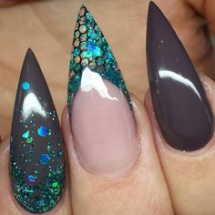 """""""@Regrann from @sangasnaglar_nails Swan Nails page is dedicated to promoting quality, inspirational nails created by International Nail Artists  Find us…"""""""