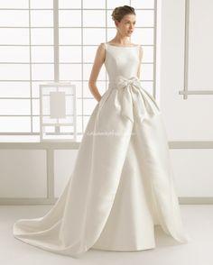 Magic of Femininity — Rosa Clara Bridal Gown Rosa Clara Wedding Dresses, Wedding Dresses Uk, Bridal Dresses, Bridesmaid Dresses, Prom Dresses, Perfect Bride, Mini Vestidos, Beautiful Gowns, Dream Dress