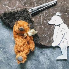 A képen a következők lehetnek: kutya Plushie Patterns, Plushies, Doll Toys, Fabric Crafts, Stencils, Sewing Projects, Miniatures, Snoopy, Abstract