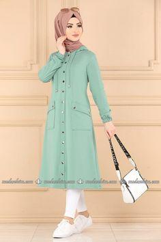 Denim Fashion, Hijab Fashion, Fashion Sewing, Fashion Dresses, Hijab Outfit, Hijab Dress, Stylish Dresses, Trendy Outfits, Casual Frocks