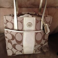 NWT AUTHENTIC COACH PURSE Authentic I coach bag brand new never used . Coach Bags Shoulder Bags