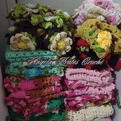 angelapratescroche Essa foi a encomenda de uma amiga de Guarulhos-SP. Encomendas por direct ou whats 6791477860  #crochet #lovingcrochet #lovecroche #trapilho #feitoamao #artesanato #encomenda #tapetes #artesmanuais #euquefiz #decorar #decor #decoracao #barbante #carpet #instagood #instacrochet #instamigas #instagram #boanoite #goodnight #handmade #amotudoisso #amocroche #cores #colors #semprecirculo #circuloprodutos