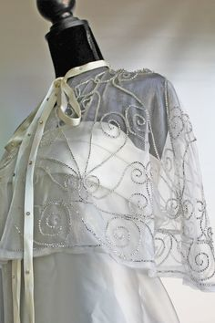 embroidered cape Cape, Artisan, Victorian, Embroidery, Dresses, Fashion, Mantle, Craftsman, Vestidos