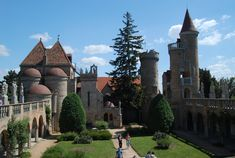 Tíz hely, amit látnod kell Fejér megyében Castle Ruins, Medieval Castle, Homeland, Barcelona Cathedral, Trip Advisor, Beautiful Places, Mansions, History, World