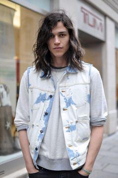 Guys with long hair. Mmm
