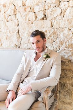 Romantic Blush Wedding Inspiration by The Wedding Stylist at Notley Abbey with Joanna Truby Florals Groom in Beige Linen Suit Mens Beach Wedding Suits, Beige Suits Wedding, Beach Wedding Groom, Beach Wedding Attire, Seaside Wedding, Wedding Ceremony, Traje Casual, Costume Sexy, Groomsmen Suits