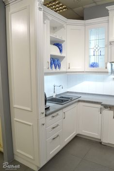 4 Tips For Kitchen Remodeling In Your Home Renovation Project – Home Dcorz Kitchen Decor, Farmhouse Style Kitchen, Kitchen Cabinet Design, Home Decor Kitchen, Small Kitchen Decor, Kitchen Remodel Small, Kitchen Design Small, Kitchen Remodel, Kitchen Renovation