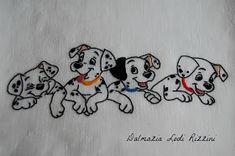 Buongiorno!  Innanzitutto a nome di Anna ringrazio di tutti i complimenti ricevuti per le bomboniere che ha realizzato...le mancava solo que... Baby Embroidery, Hand Embroidery Stitches, Embroidery Files, Machine Embroidery Designs, Linen Bedding, Bed Sheets, Snoopy, Organization Ideas, Painting On Fabric