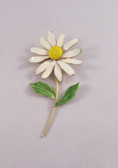 Vintage 1960 Daisy Enamel Brooch Pin by timegonebyvintage. Explore more products on http://timegonebyvintage.etsy.com