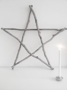 xmas crafting: wooden star in grey colors | Xmas decoration . Weihnachtsdekoration . décoration noël | inspiration |