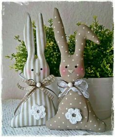 Bunny Crafts, Easter Crafts, Fabric Toys, Fabric Crafts, Spring Crafts, Holiday Crafts, Creative Crafts, Diy And Crafts, Easter Projects