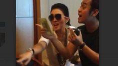 Lewat Video Ini, Syahrini Kenang Canda Dengan Olga Syahputra Saat Tunggu Pesawat Delay