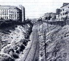 Calle del Ferrocarril en 1912 Best Hotels In Madrid, Foto Madrid, Madrid Travel, Old Pictures, Trip Planning, Spanish, The Past, Train, Vacation