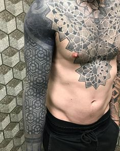 Este posibil ca imaginea să conţină: unul sau mai mulţi oameni Hot Tattoos, Great Tattoos, Tattoos For Guys, Best Cover Up Tattoos, Cover Tattoo, Black Sleeve Tattoo, Sleeve Tattoos, Snake Tattoo, I Tattoo