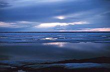 "Landlocked seas  Some large inland lakes, usually brackish, are called ""seas"".    Aral Sea  Caspian Sea  Dead Sea  Great Salt Lake  Salton Sea"