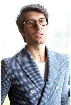 4de4d9c8903cf Filippo Fiora porte ses Luxembourg!  lunettes  eyeglasses http   www.
