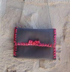 http://blomming.com/mm/Martigianato/items/mini-pochette-malva?view_type=thumbnail