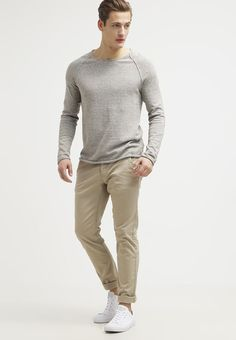 Selected Homme CLASH - Trui - white pepper melange - Zalando.nl Stylish Mens Outfits, Stylish Clothes, The Selection, Khaki Pants, Stuffed Peppers, Pullover, Sweaters, Fashion, Moda