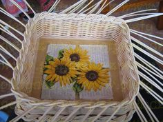 ZAVÍRKA MIRAHELKA – pletynek – album na Rajčeti Picnic, Napkins, Weaving, Basket, Tableware, Handmade, Apples, Newspaper, Handmade Crafts