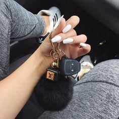 car key goals af Source by White Manicure, Manicure Y Pedicure, Preppy Car Accessories, Girly Car, Car Essentials, Accesorios Casual, Car Keys, Jeep Keys, Cute Cars