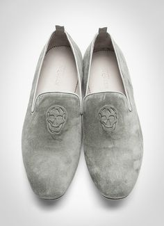 Grey Suede & Embossed Loafers, by Alexander McQueen. I need these like you need air. Brogues, Loafer Shoes, Loafers Men, Men's Shoes, Shoe Boots, Dress Shoes, Suede Loafers, Fashion Mode, Look Fashion