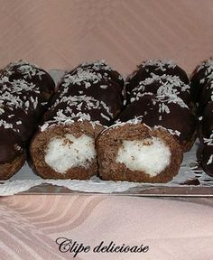 Biscuit Cookies, Cake Cookies, Romanian Desserts, Recipes From Heaven, No Bake Cake, Coco, Biscuits, Bakery, Sweet Treats