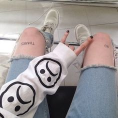 Uploaded by Fateenager. Find images and videos about black, white and grunge on We Heart It - the app to get lost in what you love. Grunge Style, Soft Grunge, Grunge Teen, Grunge Tumblr, Black Grunge, Hipster Style, Trendy Style, Grunge Outfits, Grunge Fashion