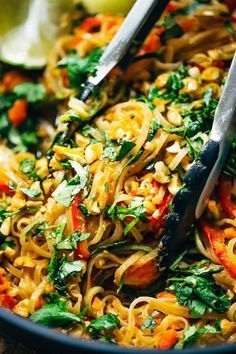 Rainbow Vegetarian Pad Thai - a fast and easy recipe that's adaptable to whatever veggies or protein you have on hand, with a simple 5-ingredient Pad Thai sauce that you just shake up in a jar! 370 calories. | pinchofyum.com – More at http://www.GlobeTransformer.org
