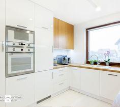 Aranżacje wnętrz - Kuchnia: Beton, drewno i biel - Kuchnia, styl nowoczesny - IN projektowanie wnętrz. Przeglądaj, dodawaj i zapisuj najlepsze zdjęcia, pomysły i inspiracje designerskie. W bazie mamy już prawie milion fotografii!