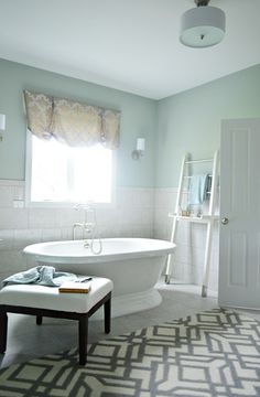 Man, oh man, would I love a freestanding tub one day...