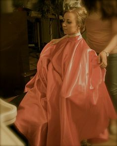 Pvc Apron, Capes, Salon Chairs, Hairdresser, Ball Gowns, Bob, Sari, Rollers, Formal Dresses