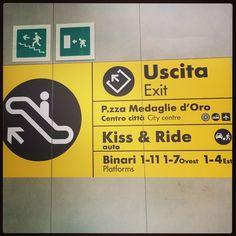 #CamilaRaznovich Camila Raznovich: Fancy a kiss or a ride?!? #ahahah #kissme #travelling #mood #bologna #trainstation