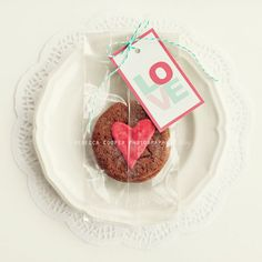 DIY - Valentine's Ginger Crinkles - Recipe + Free Printable Tags (3 Styles) Printable Valentines Day Cards, Free Printable Gift Tags, Happy Valentines Day, Valentine Gifts, Free Printables, Funny Valentine, Cookie Gifts, Food Gifts, Diy Craft Projects