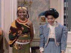 Vanessa wore a lovely looking Native American dress for her costume on Halloween while Janet went for a more Victorian looking dress. Great inspiration for this Halloween from The Cosby Show! Halloween Fashion, Halloween Costumes, Halloween Ideas, Black Sitcoms, Native American Dress, The Cosby Show, Bill Cosby, Movie Trailers, Nicki Minaj