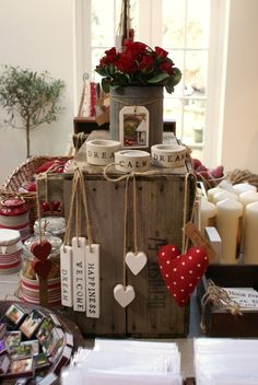 Valentine display   Flowers & inspiration for valentine's day   Bloemen & inspiratie voor Valentijn