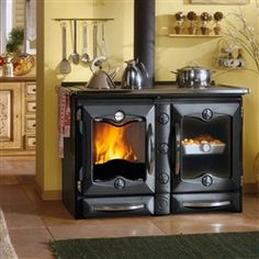 Terrific Pics soapstone Wood Stove Strategies While wood is the most eco-friendly heating up procedure, this never looks like it's talked about inside u. Cooking Stone, Wood Stove Cooking, Kitchen Stove, Cooking Ribs, Into The Woods, Soapstone Wood Stove, Wood Burning Cook Stove, Stove Heater, Vintage Stoves