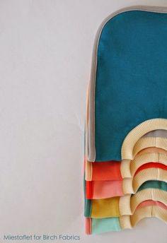 FabricWorm: Tutorial & Free PDF Template | The Reversible Pullover Bib | by Miestaflet