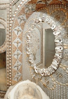 CAC Mosaic Designs - Custom mosaic Shell Shocker - a custom mosaic bathroom installation