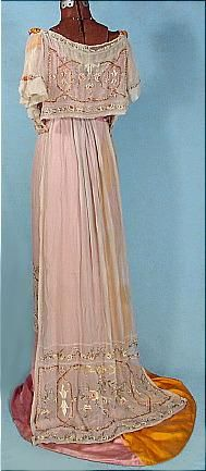 1912 Edwardian Trained Silk Embroidered and Beaded Satin and Chiffon Evening Gown. Bright Pink and Bright Orange with the matching large massive passementarie decorations slightly hidden under the embroidered silk chiffon. Back 1 Edwardian Clothing, Edwardian Dress, Antique Clothing, Historical Clothing, Historical Dress, Edwardian Era, 1900s Fashion, Edwardian Fashion, Vintage Fashion