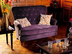 Canapé deux places Demeure http://www.comptoir-de-famille.com/fr/catalogsearch/result/?q=demeure et coussins brodés Rubis