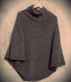 Hugo is very easy, seamless top-down poncho.  Hugo by Gosia Grajdek Free Pattern  Worsted Weight Yarn