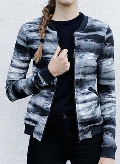 Naisten takit ja jakut Bomber Jacket, Fashion, Moda, Fashion Styles, Fashion Illustrations, Bomber Jackets