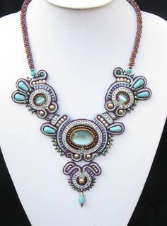 Yes, I also have caught the soutache embroidery bug! After years of not knowing what to do with the soutache bra. Soutache Pendant, Soutache Necklace, Seed Bead Jewelry, Beaded Jewelry, Beaded Bracelets, Turquoise Beads, Turquoise Necklace, Mixed Media Jewelry, Passementerie