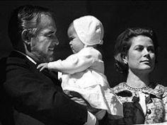 Stephanie als Baby mit ihren Eltern Rainier und Grace