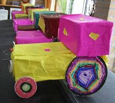 Tractor van doosjes Toms, Toilet Paper Roll, Dramatic Play, Wooden Crafts, Farm Animals, Open House, Spring Time, Tractors, Transportation