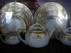 This is my friends' grandmother's wedding china by Noritake. It's so beautiful, I have my grandmother's Noritake china but I wish it was this pattern.