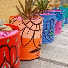 Family Crafts, Home Crafts, Diy And Crafts, Painted Plant Pots, Painted Flower Pots, Painted Tin Cans, Tin Can Art, Decorated Flower Pots, Flower Pot Crafts